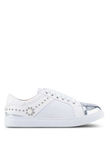 Something Borrowed white Studded Toe Cap Sneakers C43EDSHFC090BEGS_1
