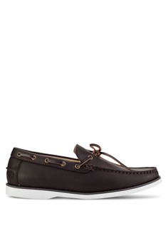 【ZALORA】 繫帶飾仿皮革船型鞋