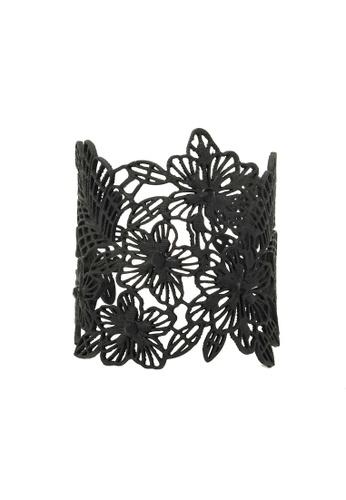 Jaysa Collection black Black Floral Filigree Bracelet Cuff JA875AC0GQ9USG_1