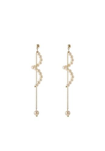 Atrireal beige and gold ATRIREAL - Ophelia Pearl Wavy Long Earring 8FEE0ACF80ADAEGS_1