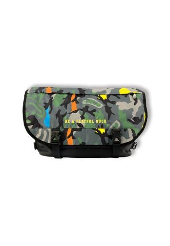 B.Duck green Messenger Bag ACD1CKC77E5A0AGS_1