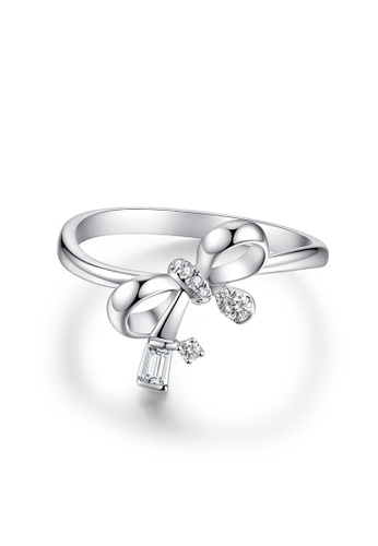 Emperor Jewellery white Love Knot Collection: 18K White Gold Diamond Ring 75D2AAC4594B0EGS_1