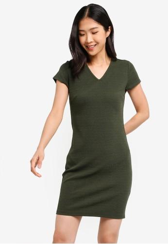 b227b8ef3b5 ZALORA BASICS green Basic V-Neck Sheath Dress 0F6C1AA4E944CEGS 1