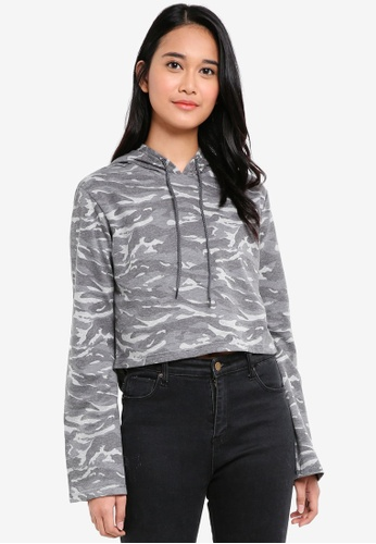 UniqTee grey Cropped Hoodie With Camo Print 34036AAB2032E7GS_1
