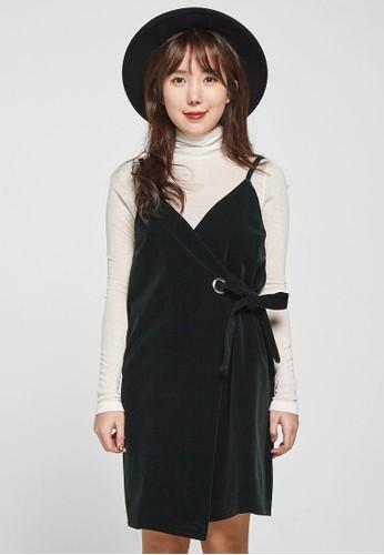 韓流時尚 絲zalora 評價絨吊帶裙 F4032, 服飾, 洋裝