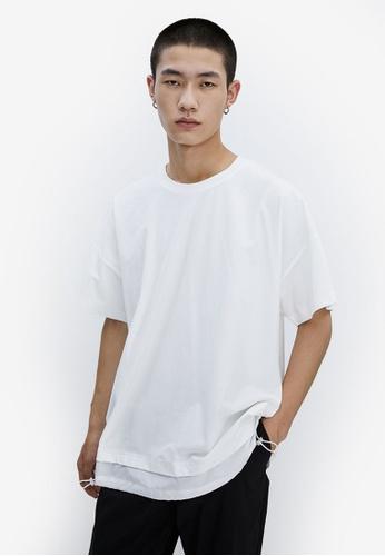 URBAN REVIVO white Layer Hem T-Shirt 82649AA1AD656AGS_1