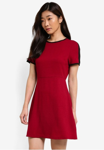ZALORA red Essential Short Sleeve Fit & Flare Dress 6C8E6AA27704AFGS_1