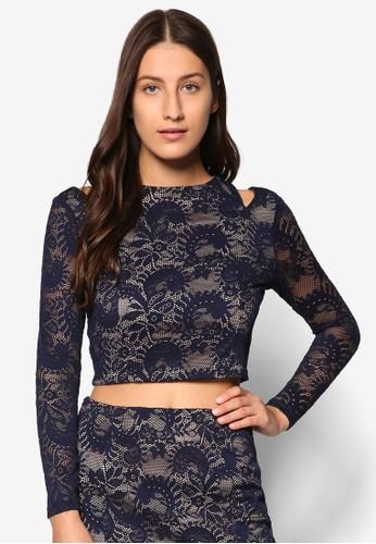 Premium 蕾絲暗紋短版長袖T-shirt、 服飾、 上衣ZALORAPremium蕾絲暗紋短版長袖上衣最新折價