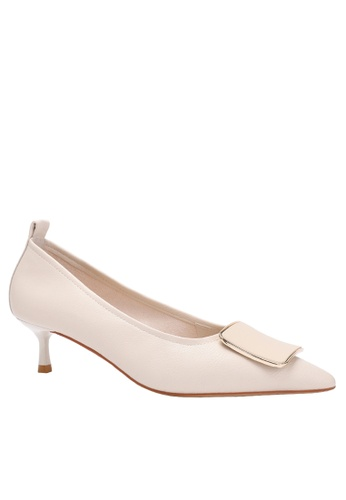 Twenty Eight Shoes Square Buckle Synthetic Leather Round Toe Pumps 2045-18 5A4A9SH973CDD0GS_1
