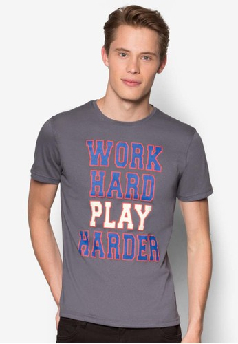 Wesprit 旺角ork Hard Play Hard Graphic T-Shirt, 服飾, 印圖T恤