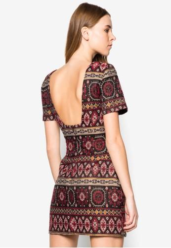 大挖背印花連身zalora taiwan 時尚購物網裙, 服飾, 服飾