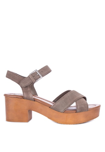 ec2911ccee24 Shop Steve Madden Forum Platform Heels Online on ZALORA Philippines