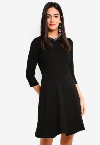 Dorothy Perkins 黑色 Embellished Neck Skater Dress A3C55AA6E4C0FEGS_1