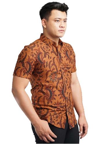 UA BOUTIQUE brown Short Sleeve Shirt Batik UASSB107-081 (Brown) DD45AAA7E13007GS_1