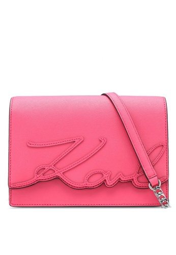 KARL LAGERFELD pink K/Signature Essential Shoulder Bag KA533AC0SDC2MY_1