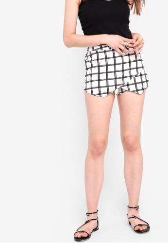 Something Borrowed white Asymmetric Checkered Skort 8089BAA3973328GS_1