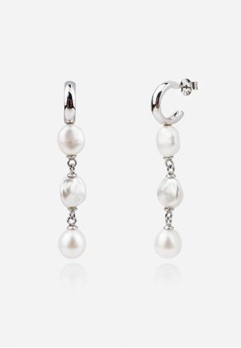 monojewelry DANGLING KESHI DROP EARRINGS 1BDC6ACA388433GS_1