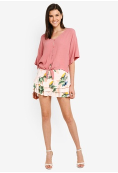 e100780070f 31% OFF FOREVER 21 Tie Front Button Down Top S$ 23.90 NOW S$ 16.40 Sizes S  M L
