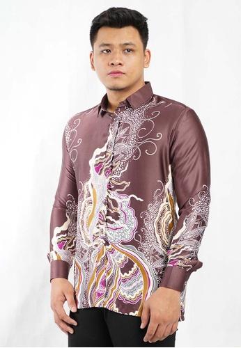UA BOUTIQUE brown Long Sleeve Shirt Batik UABM12-081 (Brown) 23716AAB074757GS_1