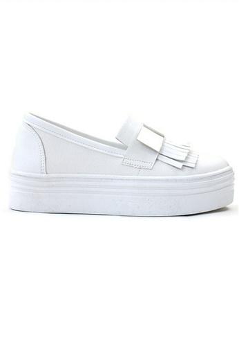 Crystal Korea Fashion 白色 韓國製流蘇設計厚底輕便鞋 E9A91SHF1287A8GS_1
