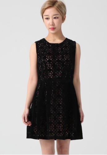 韓流時尚 穿孔麂皮無袖連衣裙 F4esprit outlet尖沙咀090, 服飾, 及膝洋裝