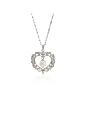 Glamorousky 白色 925純銀時尚優雅花紋鏤空心形淡水珍珠吊墜配項鏈 B386CACC749331GS_1