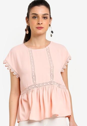 ZALORA 粉紅色 蕾絲滾邊娃娃上衣 635E9AA601B44BGS_1