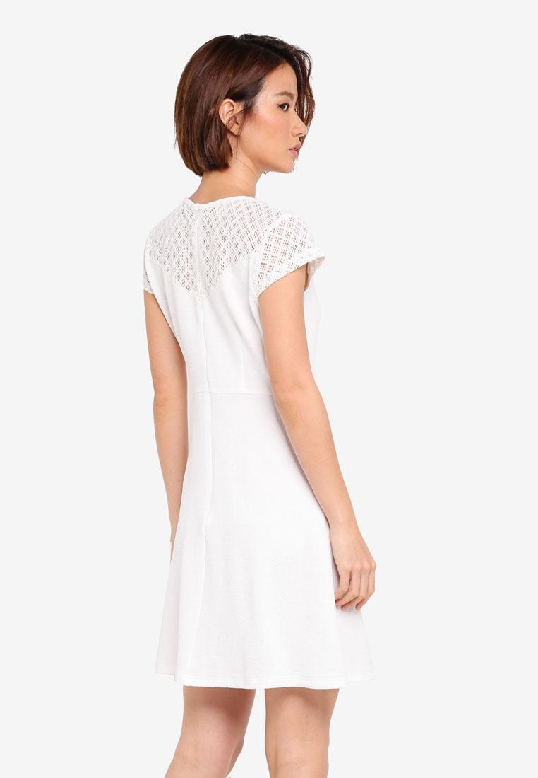 76ece53b29015 ... Dress Flare ZALORA Cap White amp  Sleeve Fit IqaaxzSZ ...