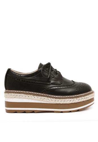 Twenty Eight Shoes 黑色 厚底沖花牛津鞋 VF867 EFD39SHB172BD8GS_1