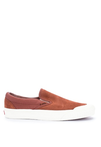VANS red Rugged Sidewall Classic Slip-On 138 Sneakers EAF68SH32CBA29GS_1