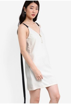 【ZALORA】 Collection V領無袖繫帶洋裝