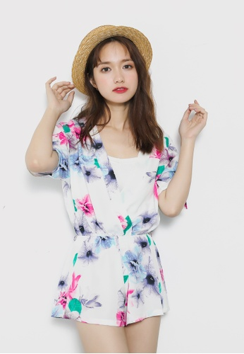 Shopsfashion white V-necked Floral Jumpsuit in White SH656AA21SMKSG_1