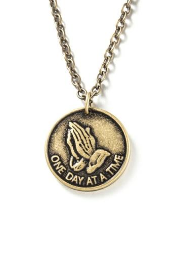 HAPPY FRIDAYS Prayer Hand Scripture Necklace DWX0448 FC4D1AC8EDBD34GS_1