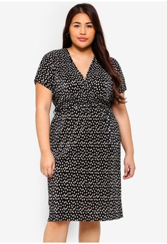 0eaf70d0f6 Dorothy Perkins black Plus Size Spot Plisse Wrap Dress 7976BAAC49EDC9GS 1