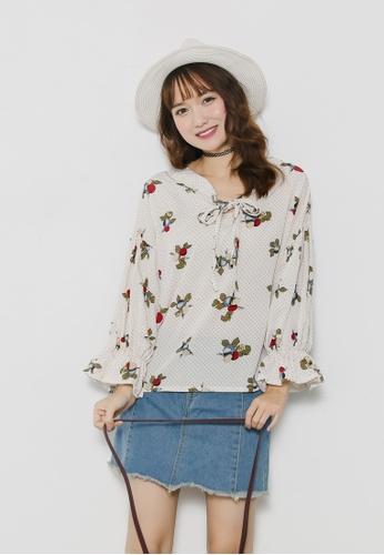 Shopsfashion beige Floral Belt Sleeve Blouse in Beige  SH656AA92GHJSG_1