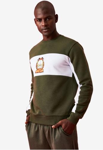 Trendyol green Garfield Panel Print Regular Sweatshirt 93ABEAAF9B60BFGS_1
