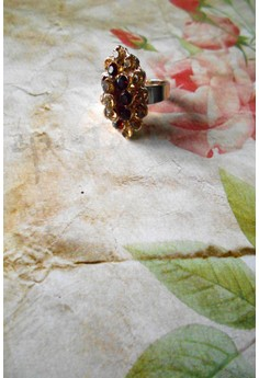 Queen Antonia Cocktail Ring (Brown)