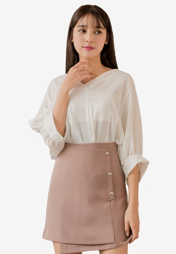 a711cee095d4a Tokichoi white V-Neck Pleated Side Quarter Sleeves Top 45460AAC8A937DGS 1