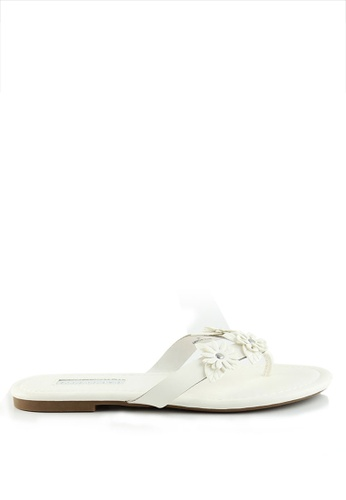 London Rag white White Flower Thong Sandals 65666SHE78478EGS_1