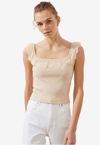 Trendyol beige Lacey Ruffle Collar Sleeveless Top 677B0AA319AD15GS_1