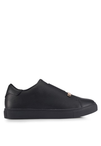 ZALORA black Metal Detail Sneakers 99807SHF9C48FFGS_1
