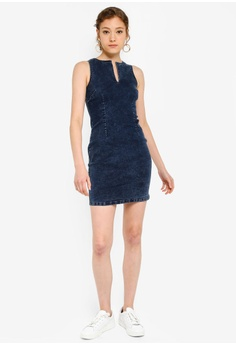 b3c6fc1c0e7 38% OFF ZALORA BASICS Basic Denim Bodycon Dress S$ 39.90 NOW S$ 24.90 Sizes  XS S M L XL