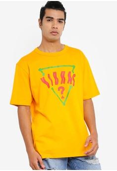 6f624a06d5e2 Guess yellow GUESS x J Balvin Oversized Vibras Triangle Logo Tee  09C65AAD0CE5C4GS_1
