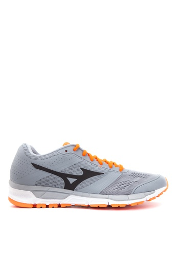 Mizuno grey Synchro MX Running Shoes MI197SH50CLXPH_1