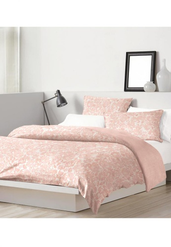 Dkny pink DKNY Floral Fields Pink Quilt Cover & Pillow Sham Set. C7686HL29C09E8GS_1