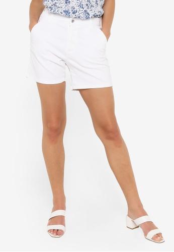 JACQUELINE DE YONG white Dakota Life Chino Shorts 15B0BAA9E9D259GS_1