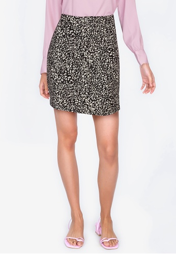 ZALORA BASICS 多色 豹紋短裙 62415AAFAB12B6GS_1