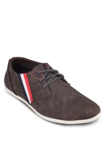 條紋邊飾時尚運動鞋,esprit 內衣 鞋, 休閒鞋