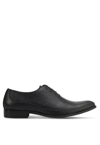 ZALORA black Faux Leather Dress Shoes 97674SHECF8E38GS_1
