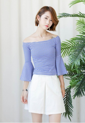 Shopsfashion white and blue Weekend Off Shoulder Blouse SH656AA42INHSG_1